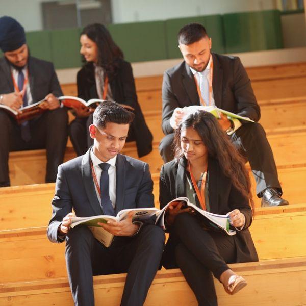 8MAYFIELD SCHOOL BOARDING